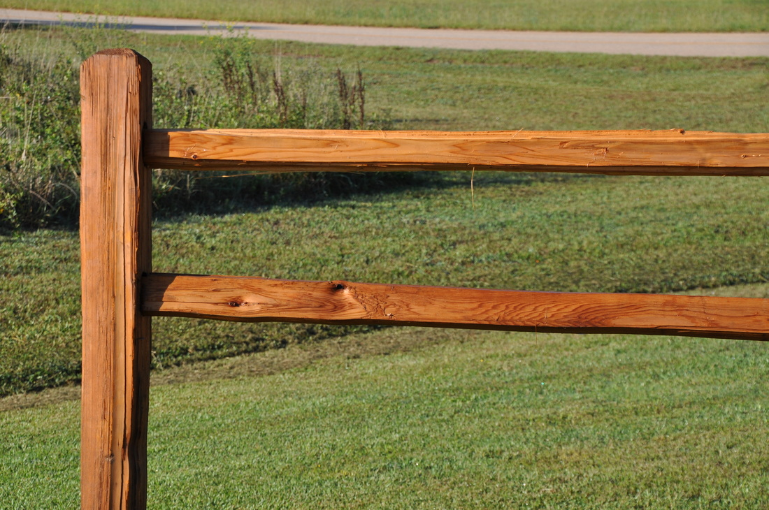 Wood a t fence inc western red cedar and pressure treated poplar in various styles such as stockade decorative privacy spaced picket and post and rail fences baanklon Image collections